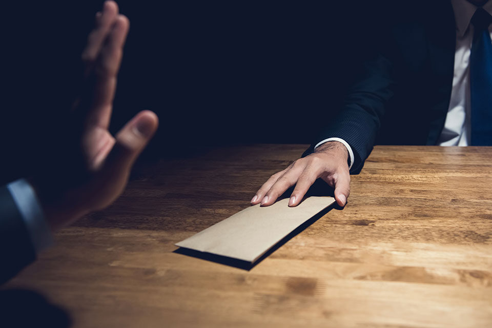 Adjunct professor publishes book on corporate anti-corruption compliance